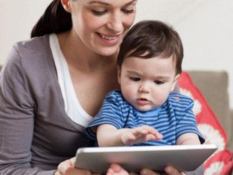 I vantaggi della laurea telematica anche per le mamme